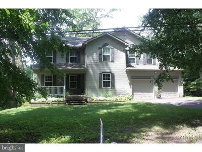 Dover Single Family Home For Sale: 40 Laurel Drive