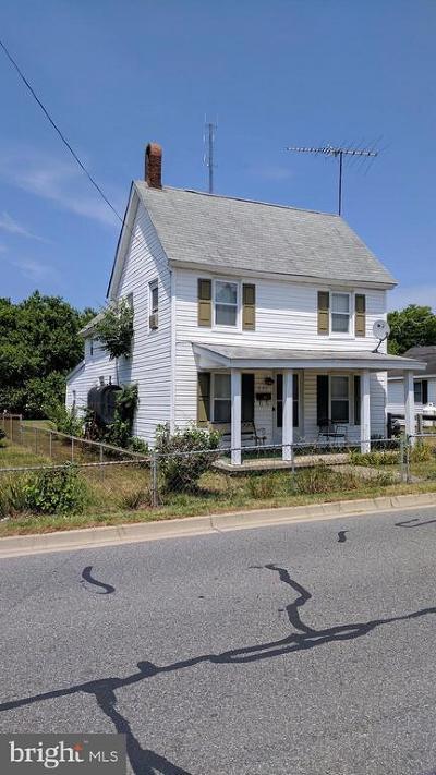 Denton Single Family Home For Sale: 527 High Street