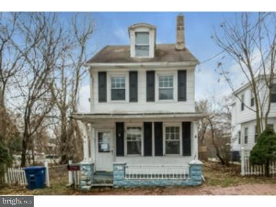 Mount Holly Single Family Home For Sale: 24 Mount Holly Avenue