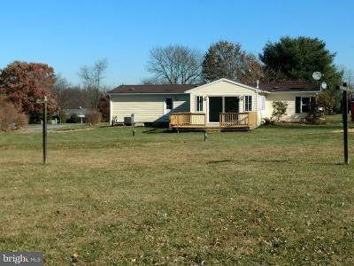 Honey Brook Single Family Home For Sale: 94 Dawn Lane