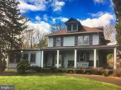 Moorestown Single Family Home For Sale: 205 Bridgeboro Road