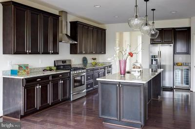 Gambrills Single Family Home For Sale: 1501 Sirani Lane E