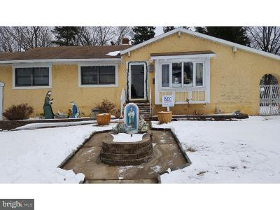 Edgewater Park Single Family Home For Sale: 202 Coolidge Avenue