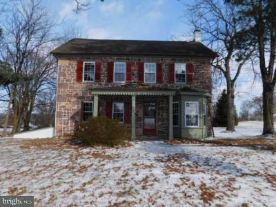 Pottstown Single Family Home For Sale: 729 Old Schuylkill Road