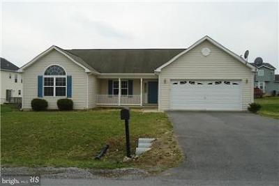 Martinsburg Single Family Home For Sale: 31 Escalade Lane