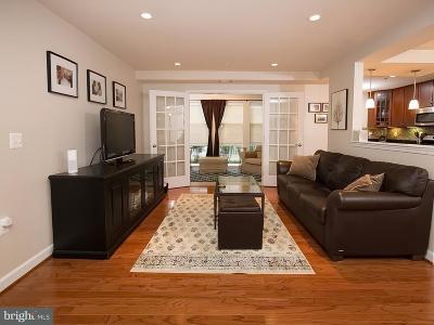 Arlington Townhouse For Sale: 4149 Four Mile Run Drive #102