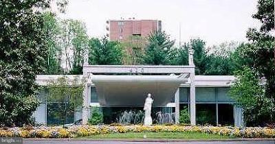 Washington DC Townhouse For Sale: $285,000