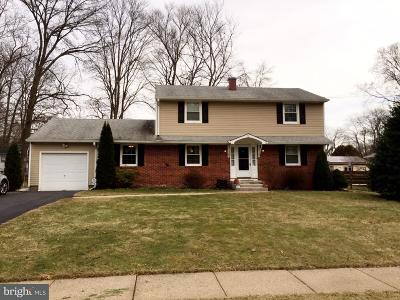 Ewing Single Family Home For Sale: 10 Great Woods Drive