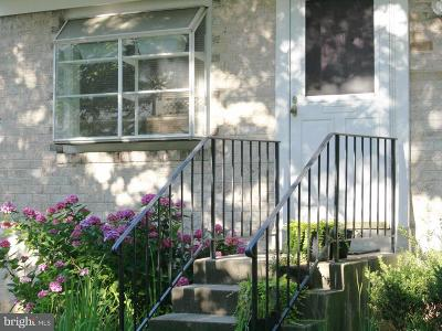 Lanham Townhouse For Sale: 7034 Woodstream Terrace