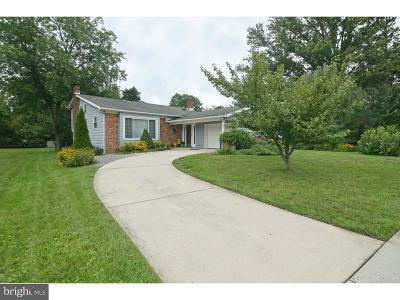 Mount Laurel Single Family Home For Sale: 125 Brentwood Drive