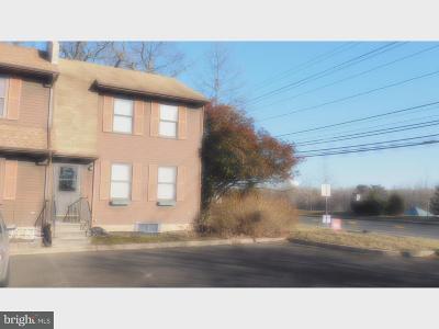 Cherry Hill Single Family Home For Sale: 113 Cobblestone Lane