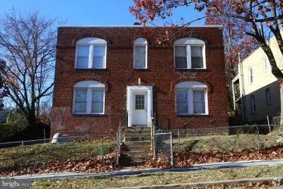 Washington Multi Family Home For Sale: 2813 Buena Vista Terrace SE