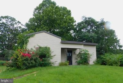 Cumberland Single Family Home For Sale: 106 Wempe Drive