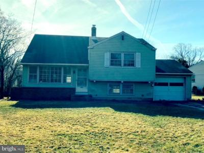 Voorhees Single Family Home For Sale: 1400 S Burnt Mill Road