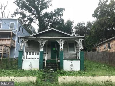 Washington DC Single Family Home For Sale: $199,900