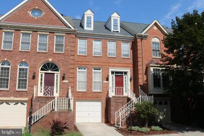 Sterling Townhouse For Sale: 46606 Lynnhaven Square