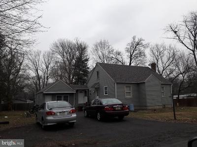 Horsham Single Family Home For Sale: 320 Garden Avenue