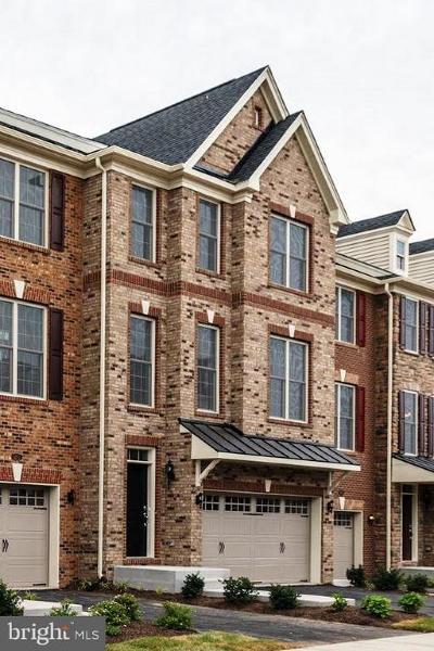 Chantilly Townhouse Under Contract: 42622 Lisburn Chase Terrace