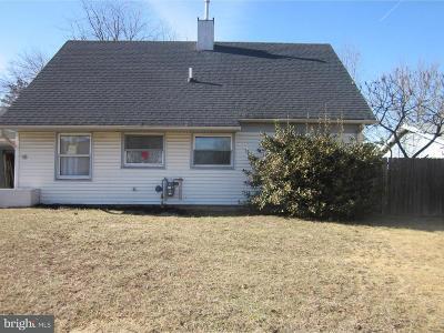 Willingboro Single Family Home For Sale: 15 Bradford Lane