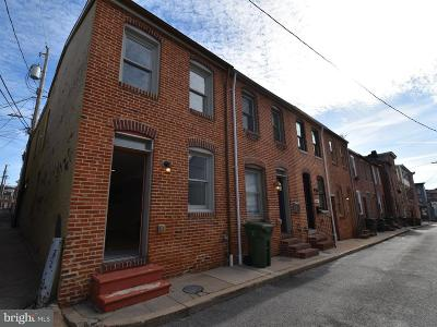Townhouse For Sale: 407 Duncan Street S