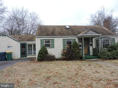 Hightstown Single Family Home For Sale: 242 Franklin Street