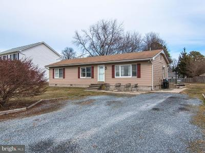 Stevensville MD Single Family Home Active Under Contract: $235,000