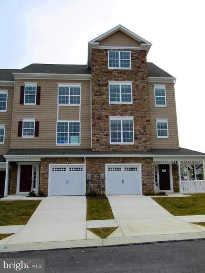 Prince Frederick Townhouse For Sale: 120 Clydesdale Lane