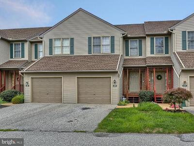 Dallastown Condo For Sale: 109 Oak Ridge Lane