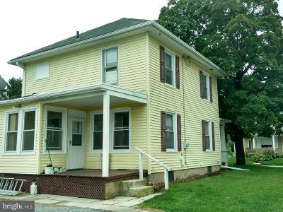 Manchester Single Family Home For Sale: 301 York Street