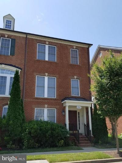 Villages Of Urbana Townhouse For Sale: 8945 Amelung Street