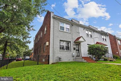 Single Family Home For Sale: 5400 4th Street NW