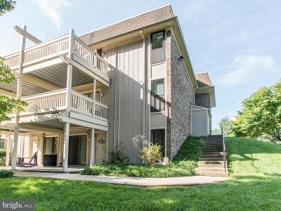 Burke, Springfield Condo For Sale: 5778 Rexford Court #Q
