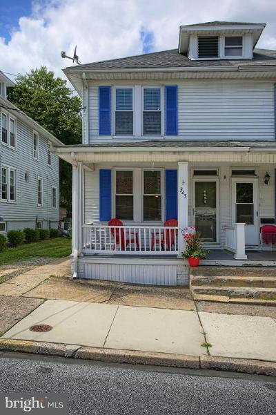 New Cumberland Single Family Home For Sale: 343 9th Street