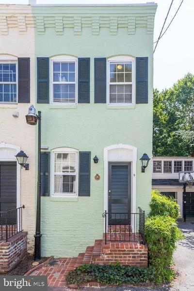 Washington Single Family Home For Sale: 9 Pomander Walk NW