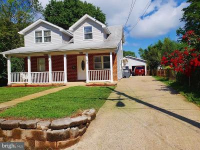 Manassas Park Single Family Home For Sale: 104 Morton Court