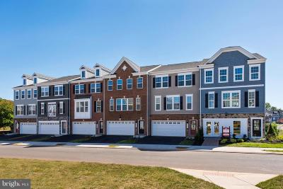 Manassas Townhouse For Sale: 8822 Englewood Farms Drive