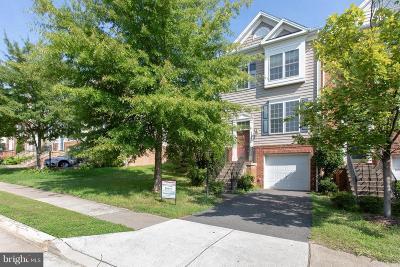 Woodbridge Townhouse For Sale: 2540 Oak Tree Lane