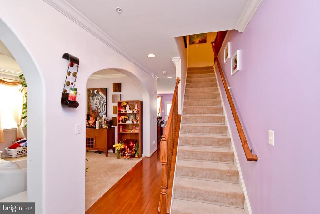 2905 Brunston Castle Lane Waldorf, MD.   MLS# 1006074082   Nateka Dancy    Washington Real Estate   (202) 265 3948   Washington DC Homes For Sale