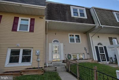 Walkersville Townhouse For Sale: 71 Oxford Court