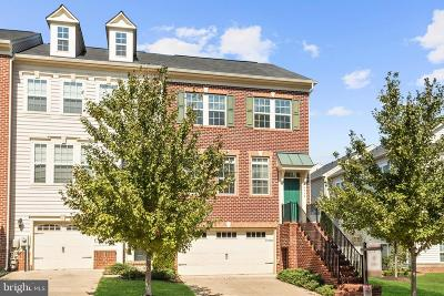 Laurel Townhouse For Sale: 9914 Veiled Dawn