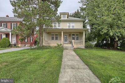 Hershey Single Family Home For Sale: 1335 E Chocolate Avenue