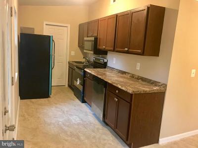 Woodbridge VA Single Family Home For Sale: $285,000
