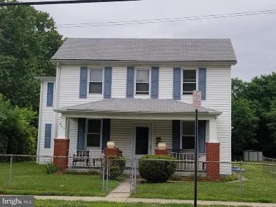 Laurel Single Family Home Under Contract: 925 Montgomery Street