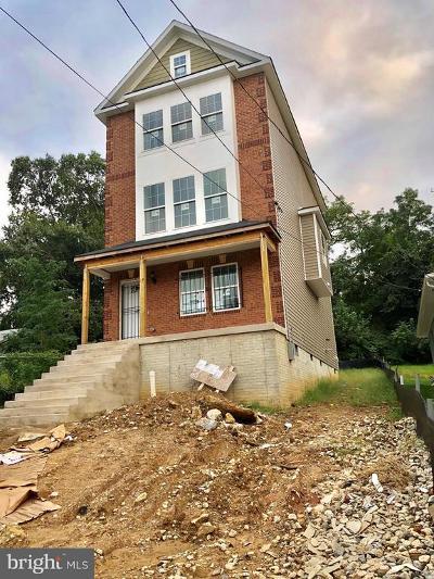 Washington Single Family Home For Sale: 5913 Foote NE