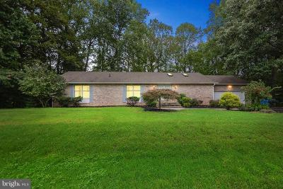 La Plata Single Family Home Active Under Contract: 1379 Redwood Circle