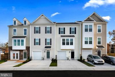 Glen Burnie Townhouse For Sale: 113 Pond View Drive