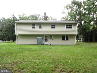 Monroe Single Family Home For Sale: 135 Fresh Ponds Road