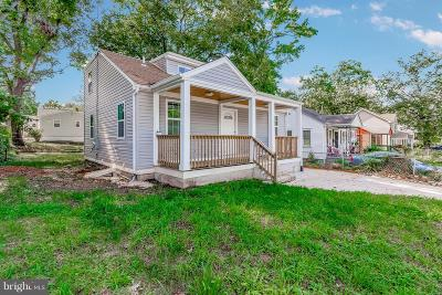 Capitol Heights Single Family Home For Sale: 400 70th Place