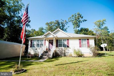 Colonial Beach Single Family Home For Sale: 77 Albrough Boulevard