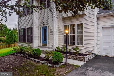 Hampton Oaks Single Family Home For Sale: 8 Brantford Drive